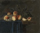Attributed To Paul Liegeois, Nature morte aux pêches et raisin sur un entablement au drapé bleu