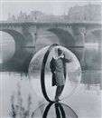 Melvin Sokolsky, Bubble on the Seine, Paris