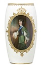 Leslie Harradine, Vase showing a portrait of William of Orange