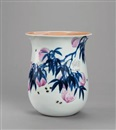 Dai Ronghua, 祝君长寿 青花斗彩瓷瓶 (Wish you longevity, blue and white porcelain vase in contrasting colours)