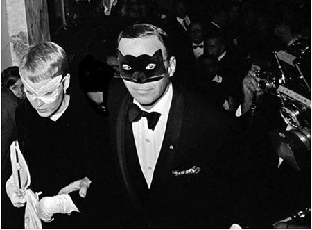 Frank Sinatra and Mia Farrow by Harry Benson