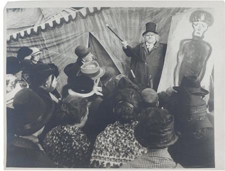 Le docteur a la foire by Walter Reimann and Hermann Warm