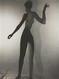 bani yelverton (standing nude behind a screen) by erwin blumenfeld
