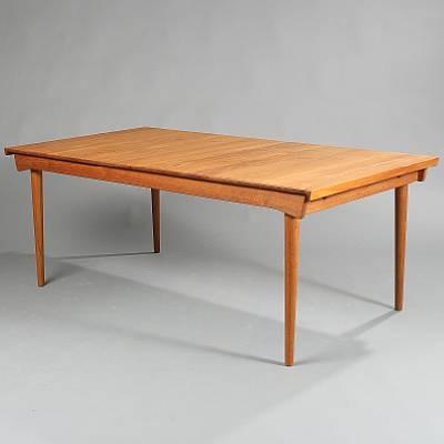 Rectangular Extension Dining Table Leaves Model Fd 540 By Finn Juhl