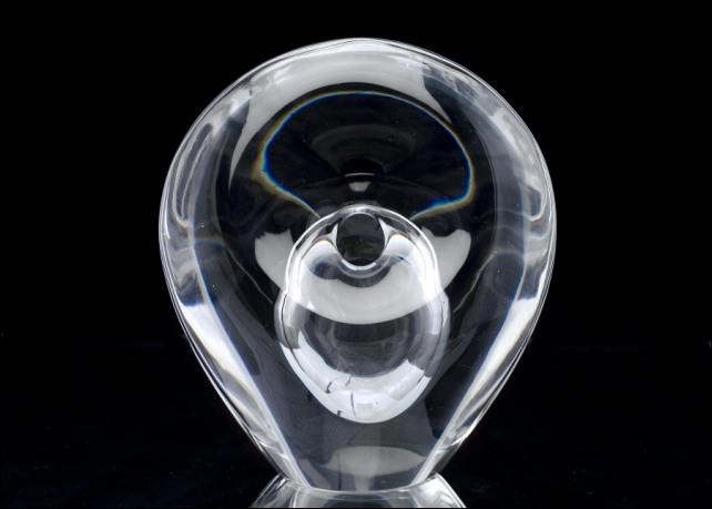Timo Sarpaneva, Lasiveistos (A glass sculpture)