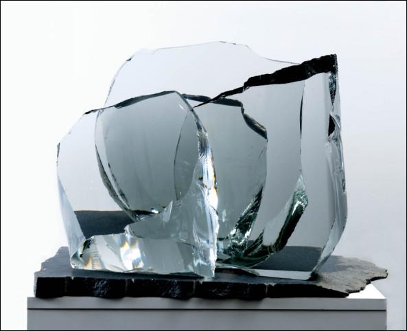 Timo Sarpaneva, Lasiveistos (A sculpture)